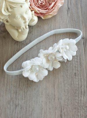 Bandeau avec fleurs blanches