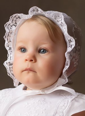 Béguin de baptême bébé Fille en dentelle