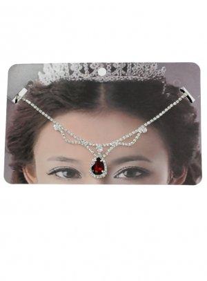 bijoux de tête et strass rouge
