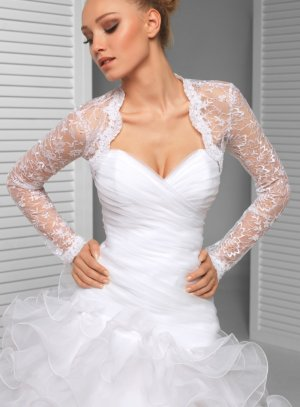 boléro femme mariage dentelle blanche perle manches longues