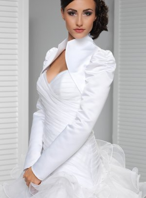 boléro mariage satin manches longues blanc
