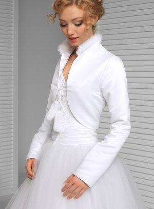veste mariage femme blanche hiver satin et fourrure