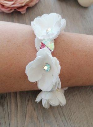 bracelet demoiselle d'honneur pas cher avec fleurs blanches