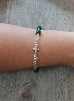 croix et chapelet vert