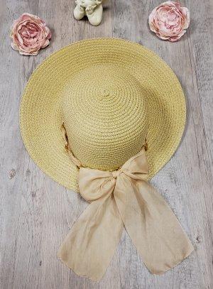 Chapeau de cérémonie pour femme beige