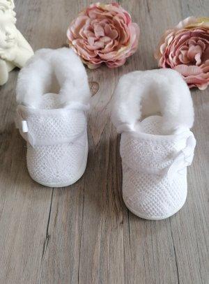 Chaussons baptême hiver bébé fille dentelle fourrés