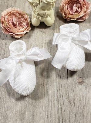Chaussons bébé tricot blanc avec ruban