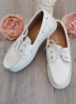 Chaussures bateau blanche enfant lacet