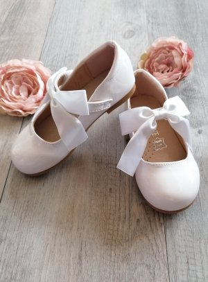chaussures baptême cérémonie blanche avec ruban