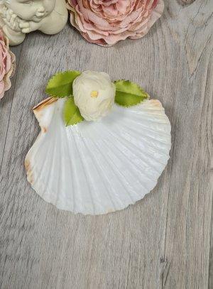 Coquille de baptême fleur tissu