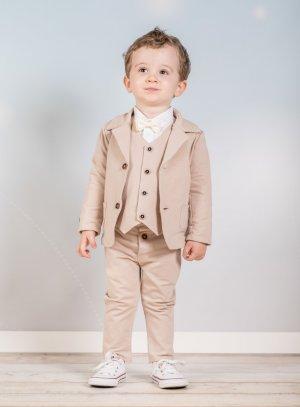 Costumes beige pour bébé ou petit garçon en coton.