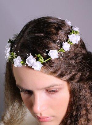 couronne de fleurs blanche pour mariage ou communion