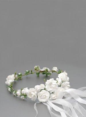 couronne de fleurs pour mariage ou communion fleurs blanches et feuillage vert thème champêtre