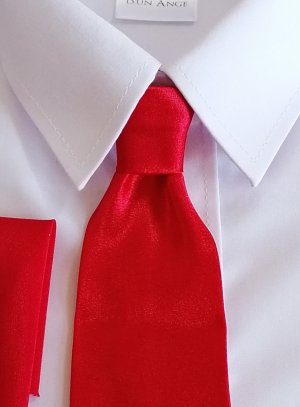 cravate enfant rouge avec pochette tissu satin