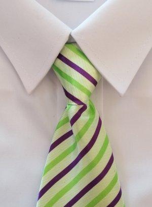 Cravate enfant vert anis rayée