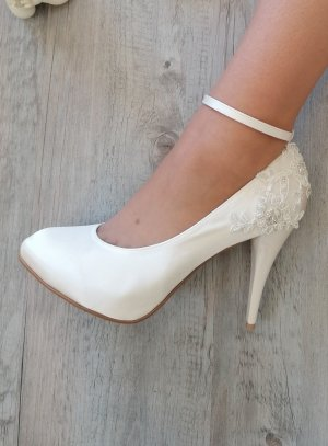 chaussure cérémonie mariage satin ivoire pour femme escapin lanière
