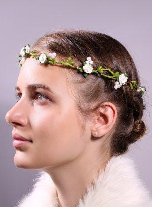 peignes et ornements blanc