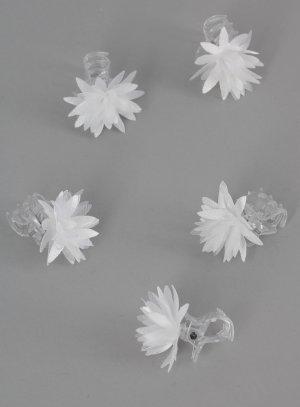 pinces crabes fleurs blanches pour coiffure de mariage ou de communion pour enfant