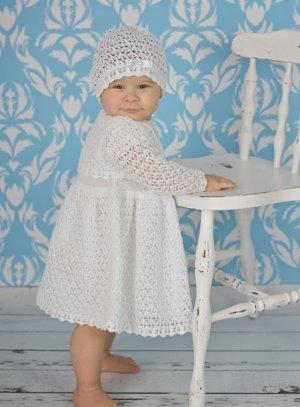 Robe bébé au crochet fillette avec son bonnet et sa veste