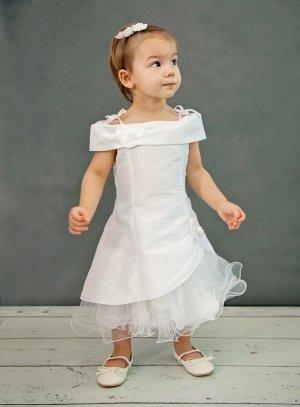 robe de communion blanche fille boutique mariage france b3850. Black Bedroom Furniture Sets. Home Design Ideas