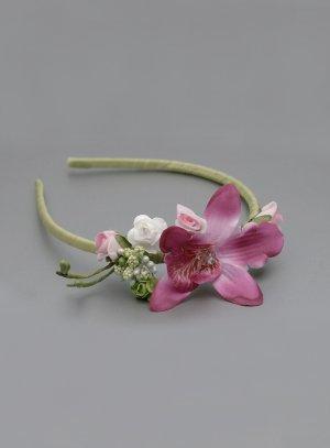 serre tête coiffure mariage enfant avec fleur style naturelle