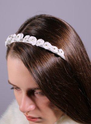 serre tête avec fleurs blanches pour mariage cérémonie enfant