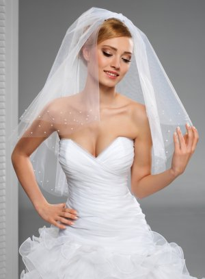 Voile mariée mi long avec perles nacrées tulle blanc