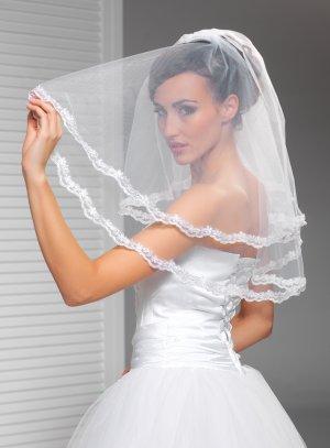 voile de mariée court blanc avec dentelle